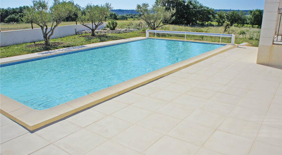 Pr sentation de sobella fabrication de produits b ton for Fabrication piscine beton
